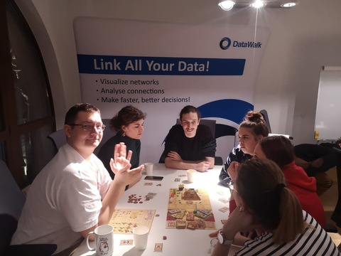DataWalk - company insight 3